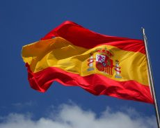 España: autos y salud, los productos con mayor volumen de promociones comerciales
