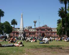 La conducta de los argentinos en la calle: libre interpretación de las normas y la culpa en el otro